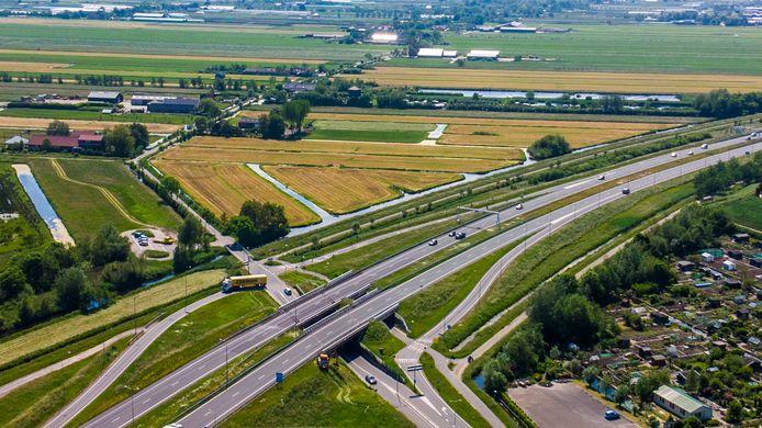 In een van de opties snijdt een nieuwe weg tussen Boskoop en de N11 het Rietveldsepad.
