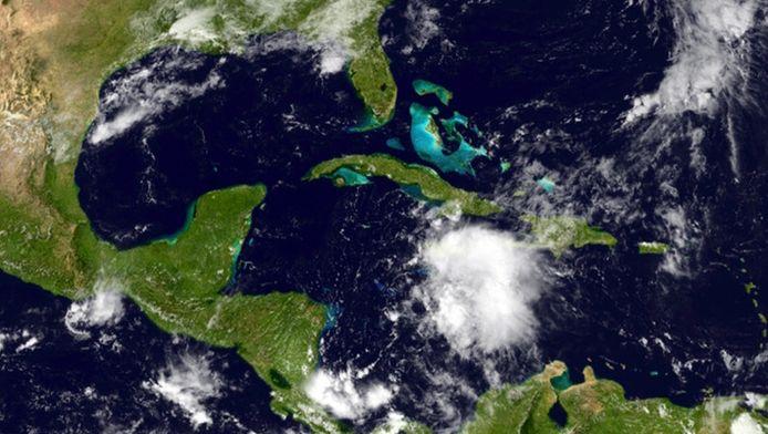 Tropische storm Jerry was de tiende van het seizoen.