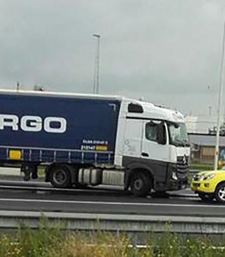 Weginspecteur blokkeert spookrijdende trucker