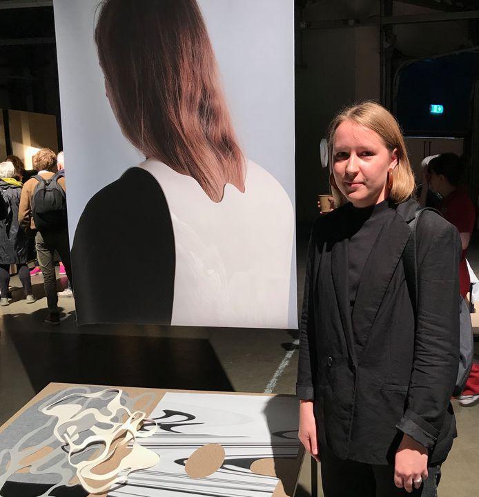 Anete Sabule geeft uitleg over haar afstudeerproject Alter Ego.
