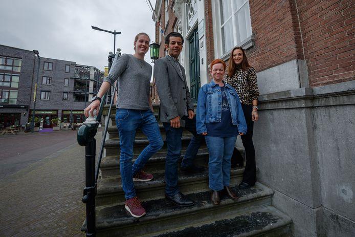 Meedenkcoaches in Etten-Leur, 2018.  Ze helpen mensen de weg te vinden in regelgeving, gratis en anoniem, bijvoorbeeld binnen de Wet Maatschappelijke Ondersteuning (WMO).