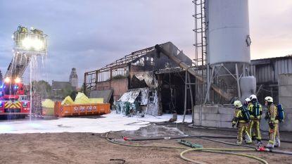 Blussers rukken uit nog voor oproep binnenloopt: zware loodsbrand snel onder controle