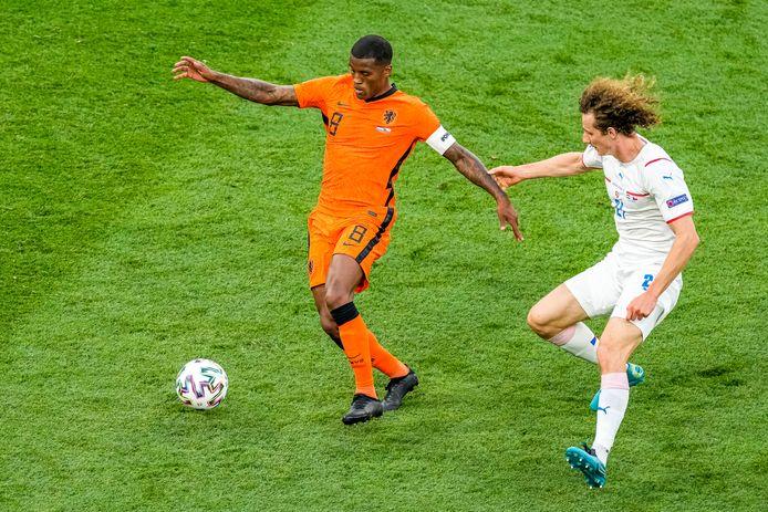 Georginio Wijnaldum namens Oranje in de achtste finale van het EK tegen Tsjechië.