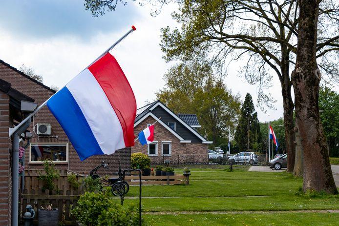 Werkendam herdenkt de drie overleden Litouwse mannen die bij de brand op zondag 2 mei zijn omgekomen.
