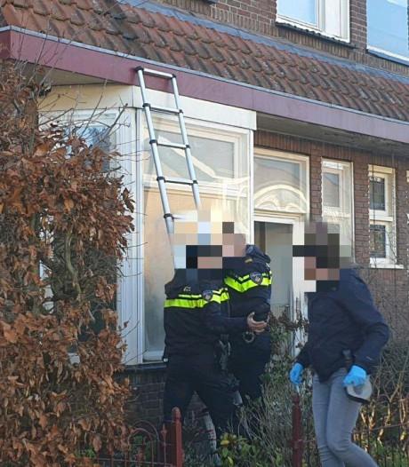 Politie valt woning van pedoclub Martijn in Hengelo binnen