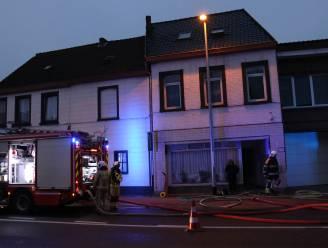 Woning loopt zware schade op na uit de hand gelopen schouwbrand: Ook buren krijgen rook binnen