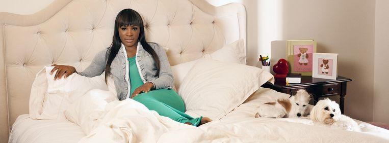 Serena, in haar mansion in Palm Beach Florida. Een personal assistent legt 's morgens haar kleren klaar en dan kan ze op stap in haar Rolls-Royce genaamd Casper. Beeld Patrick Fraser/Corbis Outline