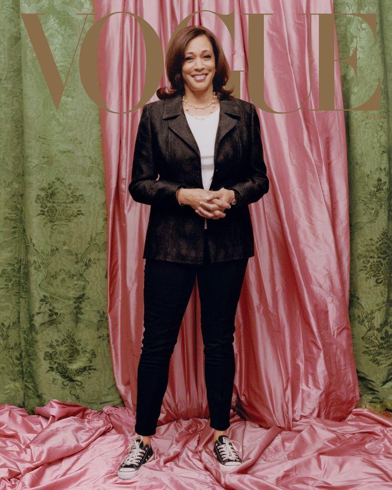 De cover van het blad. Volgens het team van Harris was die informele foto bedoeld voor de binnenzijde van het blad. Beeld Vogue
