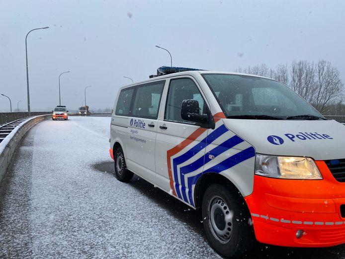 Het ongeval gebeurde op de oprit van de E19 in Mechelen-Noord.
