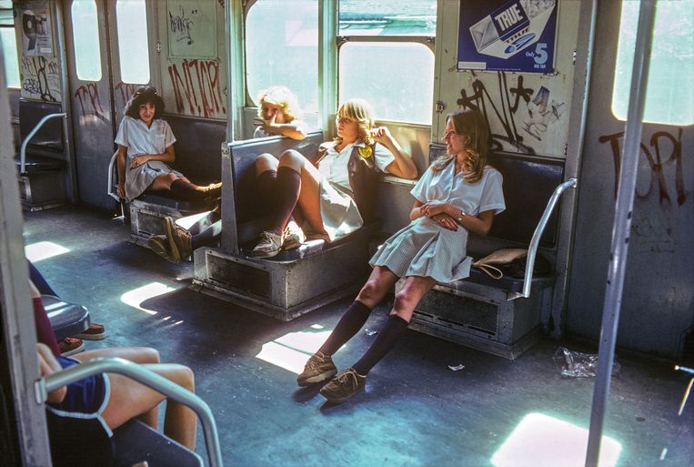 Schoolgirls on the A Train to Far Rockaway, Queens Subway New York. Beeld Copyright by Willy Spiller