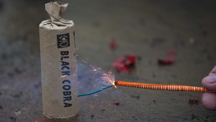 In Beverwijk is een 23-jarige man uit Heemskerk zwaargewond geraakt door vuurwerk