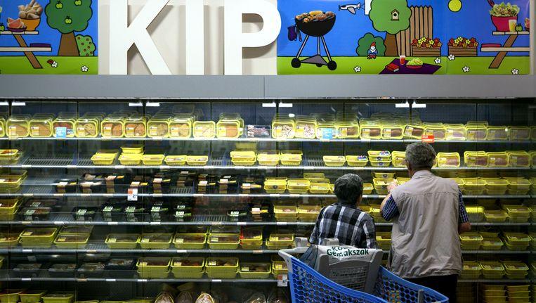 Een supermarktkoeling met kip. Beeld ANP XTRA