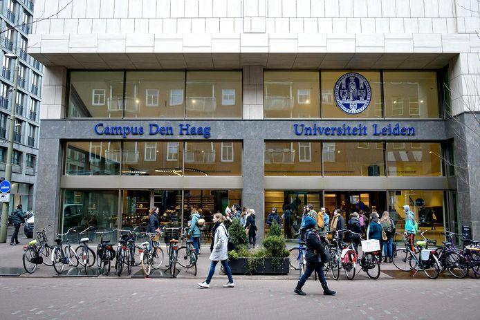 Op de bovenste verdieping van de campus van Universiteit Leiden in Den Haag heeft TU Delft een eigen afdeling.