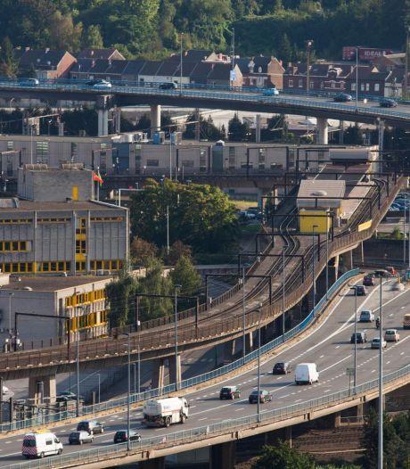 Coronavirus: des chantiers routiers stoppés ou ralentis à Couvin et à Charleroi