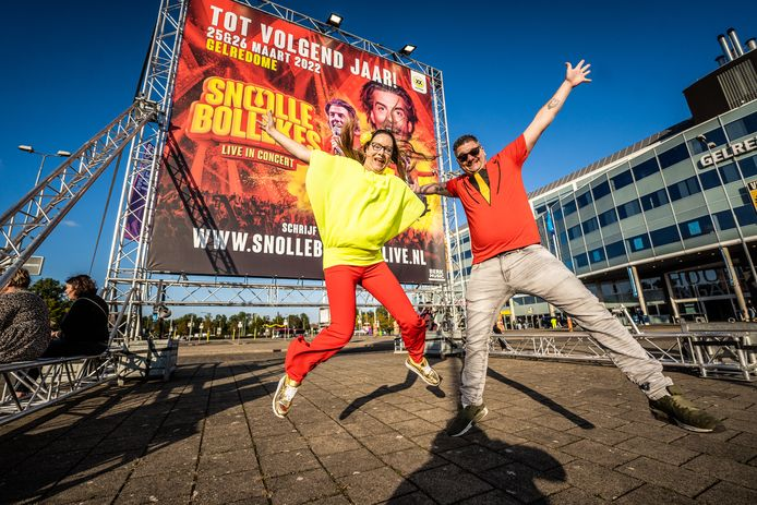 Dominique en Yvonne Dopperberg uit Harderwijk springen letterlijk een gat