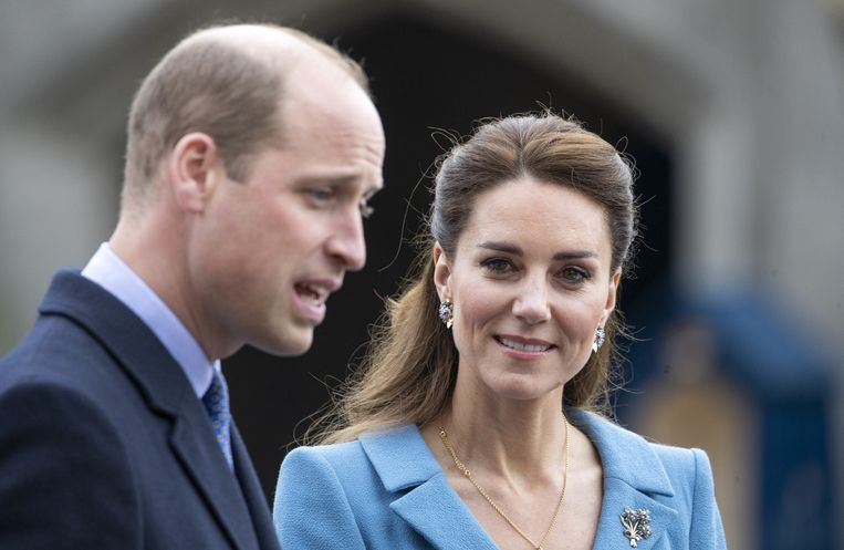 The Duke and Duchess of Cambridge during a Beating of the Retreat at the Palace of Holyroodhouse in Edinburgh. Picture date: Thursday May 27, 2021. Beeld BrunoPress/PA Images