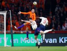 Koeman ziet aanvallend armoedig Oranje verliezen bij debuut
