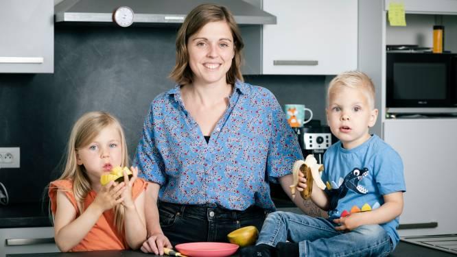 """Karolien (32) ging tijdens haar studies door een scheiding en moet nu zonder job twee kindjes onderhouden: """"Gelukkig krijg ik een werkloosheidsuitkering"""""""