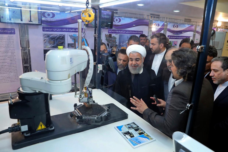 De Iraanse president Hassan Rohani:  'We zullen gaan verrijken tot hoe hoog we maar willen, al naar gelang onze behoefte.' Beeld AP