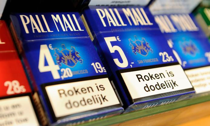 Een pakje sigaretten heeft tegenwoordig een waarschuwingstekst.