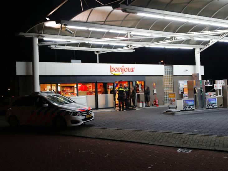 Gewapende overval op tankstation in Eindhoven, politiehelikopter zoekt mee naar dader