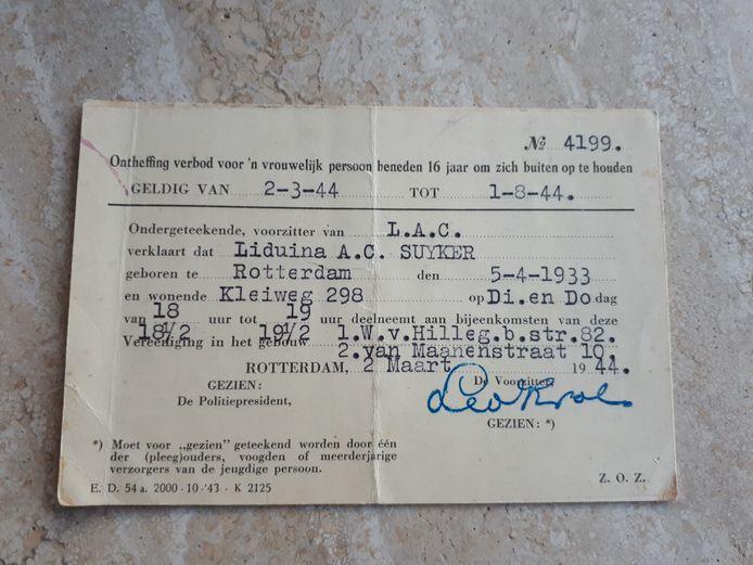 Het document waarmee mevrouw Suyker toch kon gaan zwemmen tijdens de Tweede Wereldoorlog.
