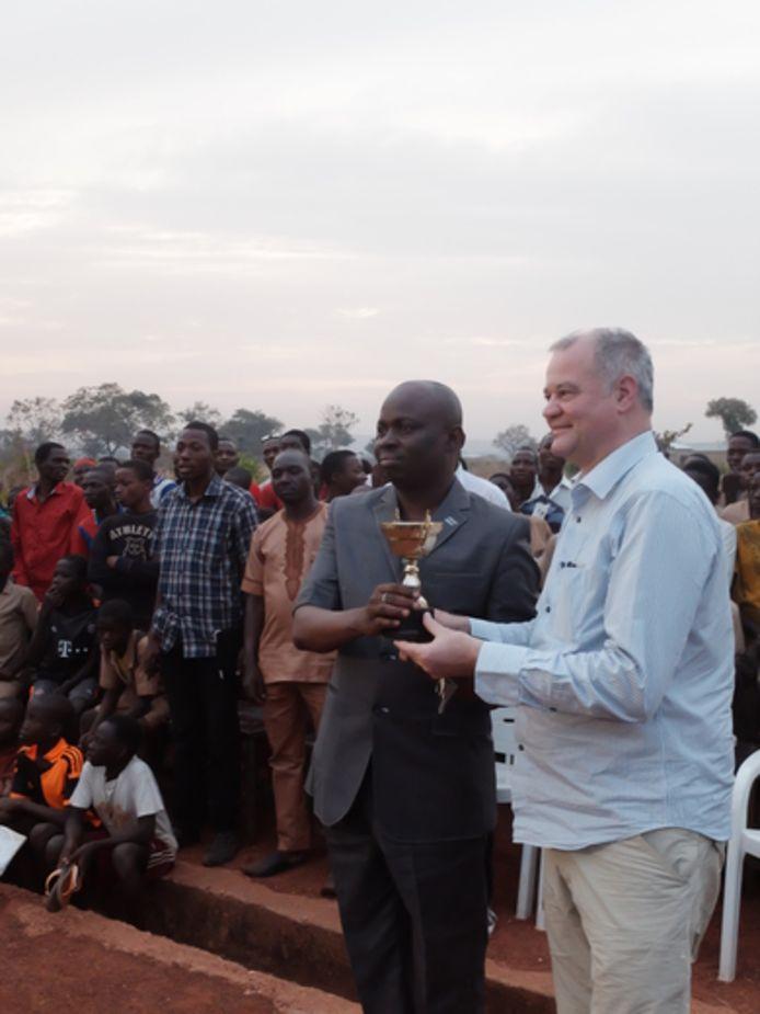 Filip Thienpont met zijn Afrikaanse collega