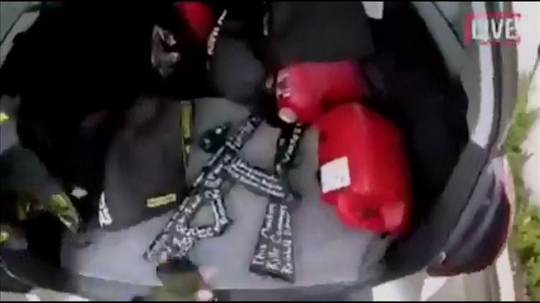 Still uit de video die Brenton Tarrant van de aanslag maakt. Beeld Reuters