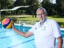 Ruurloër Marcel Geverink fluit al 40 jaar bij het waterpolo: 'Er moest een keer een oog worden opgedoken'