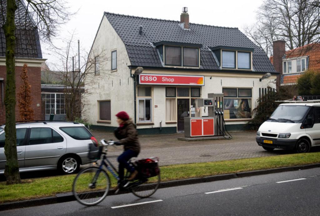 Boven dit tankstation in Zeist woonden cliënten van Pyxis.