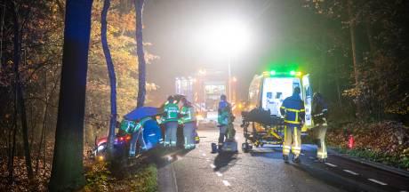 Jongen (17) zonder rijbewijs ernstig gewond bij ongeluk in Oldebroek
