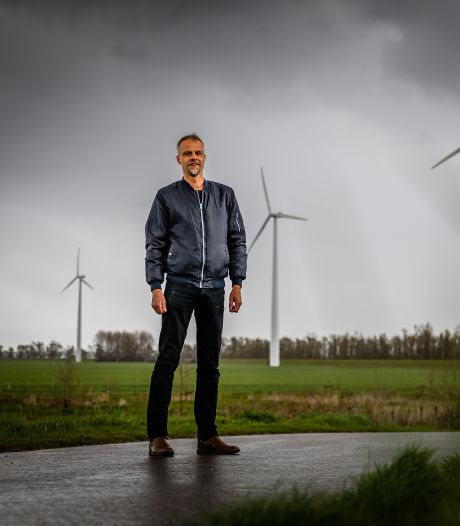 Deze bewoners zien toch een voordeel van windmolens naast hun woningen (die nog hoger worden dan de Euromast)