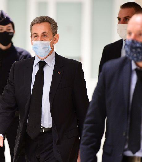 Franse justitie eist vier jaar cel tegen ex-president Sarkozy, helft voorwaardelijk
