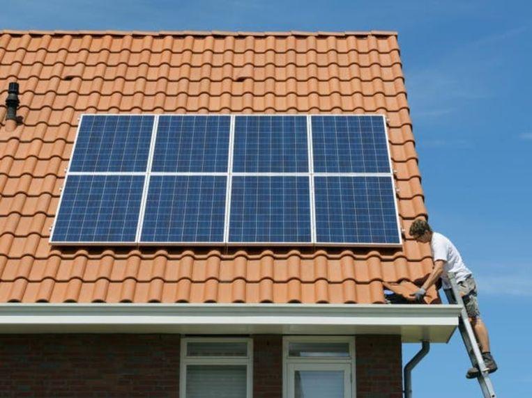 De compensatie is afhankelijk van het jaar waarin de zonnepanelen werden gelegd. Beeld Livios
