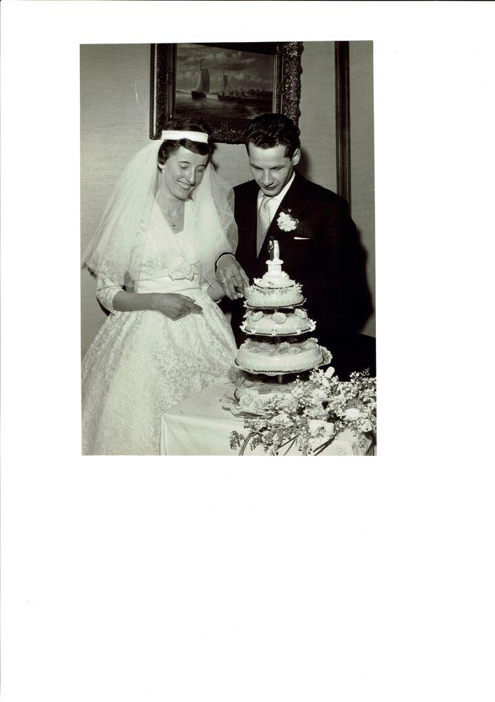 De trouwfoto Antoon en Netty Eliëns -Paulussen. zestig jaar geleden.