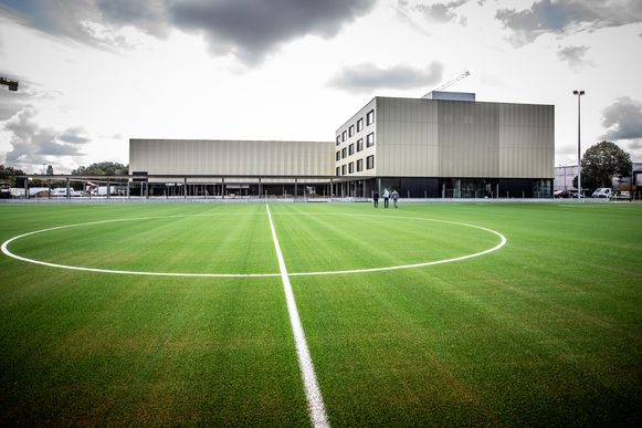 Het nieuwe voetbalveld.