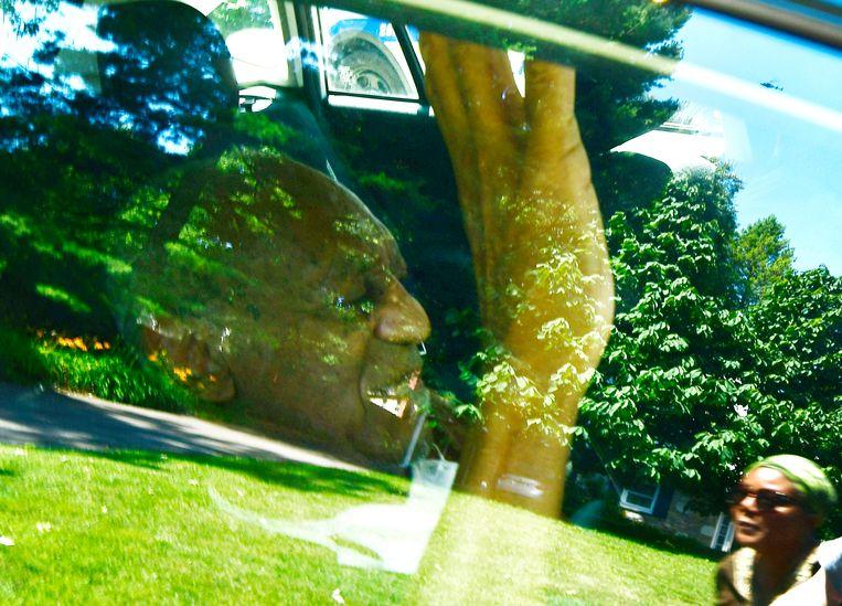 Cosby na zijn vrijlating uit de gevangenis in Elkins Park, Pennsylvania. Beeld EPA