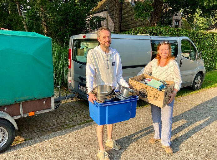 Ingrid en Gert reden zaterdag een derde keer naar Wallonië met ingezamelde spullen