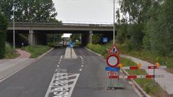 Hinder in Roeselaarsestraat door werken aan bruggen E403