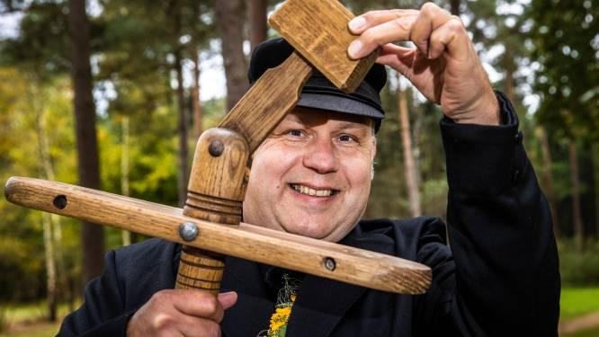 Hellendoorner Edwin Rutgers is nieuwe Klepperderk: 'Vereerd om ambassadeur van m'n dorp te mogen zijn'