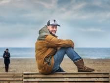 Strandpaviljoenhouder: 'Elke keer als ik de zee in loop, denk ik weer aan de vijf overleden surfers'