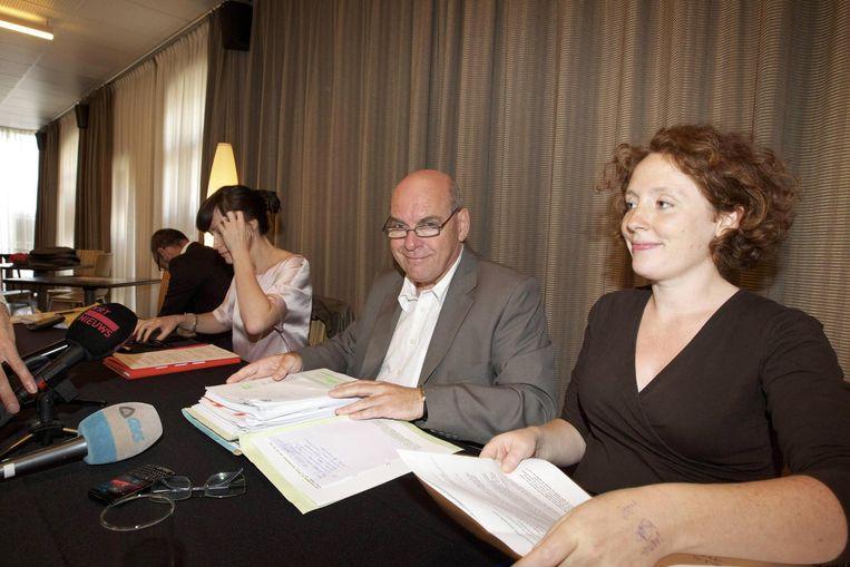Burgemeester Daniel Termont (sp.a) en Elke Decruynaere (Groen). Beeld BELGA