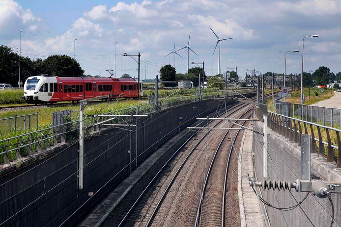 Op het traject van de MerwedeLingelijn reden vanochtend een uur lang geen treinen.