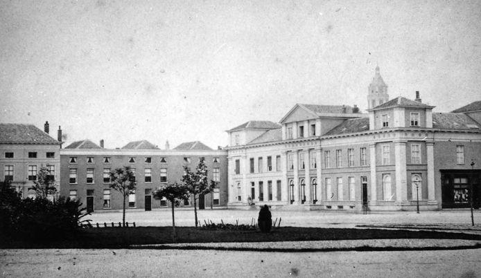 De Stille Hoek in Arnhem in 1882. Nog zonder de warenhuizen van Vroom & Dreesmann en Peek & Cloppenburg.