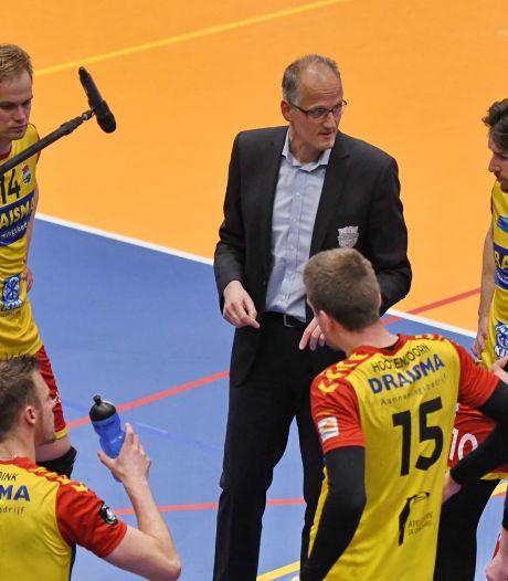 Dynamo-coach Strikwerda na bekernederlaag: 'Ploeg is niet fit en dan is topsport keihard'
