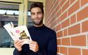Mano Bouzamour: ,,Natuurlijk raad ik mijn eigen boek aan.''
