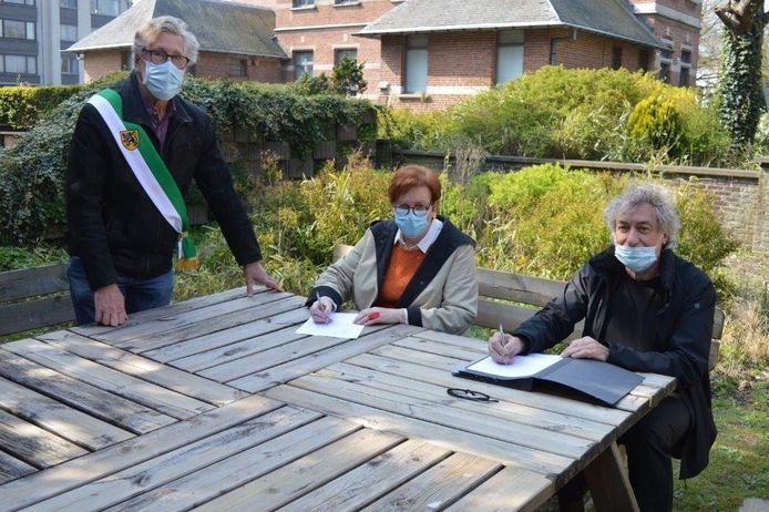 De overeenkomst tussen de gemeente Zelzate en de vzw Lichtpunt werd vandaag ondertekend.