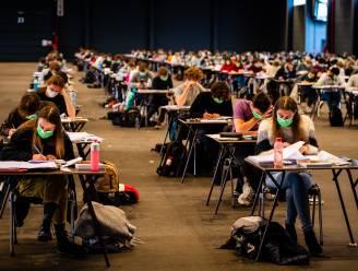 """""""Geen verlies van leerkrediet of studietoelagen na coronasemester"""", verzekert Weyts"""