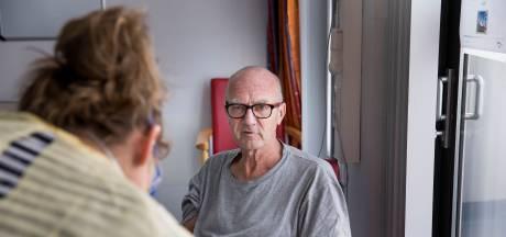 Ed van der Jagt (67) verliest zijn ouders, is zelf ziek en zijn broer ook: 'Corona is als een beest in je lichaam'