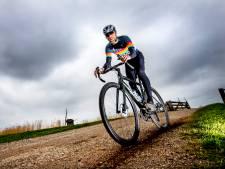 De nieuwste fietstrend is de gravelbike: lekker raggen over onverharde paden met je vrienden